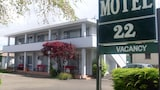 Book this Parking available Hotel in Lower Hutt