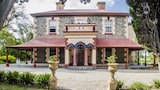 Choose This 4 Star Hotel In Port Elliot