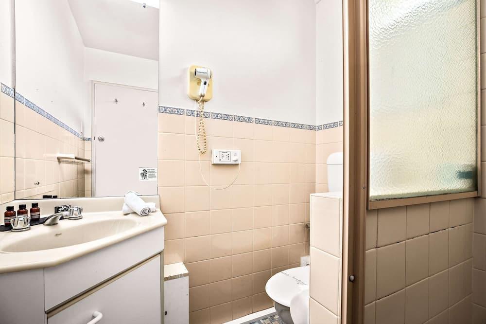 Standardzimmer, 1 Queen-Bett, Nichtraucher (First Floor) - Badezimmer