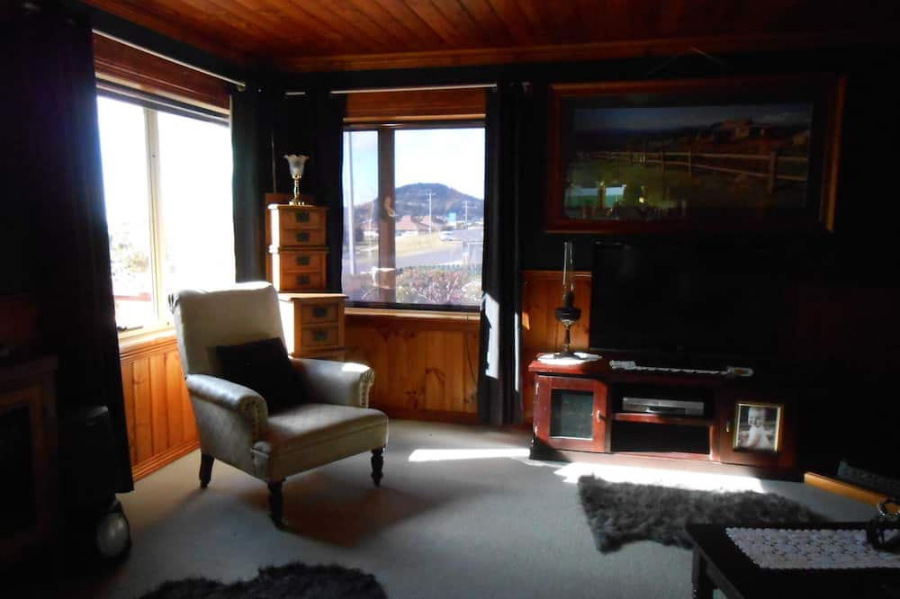 Seaview Apartment - Living Area