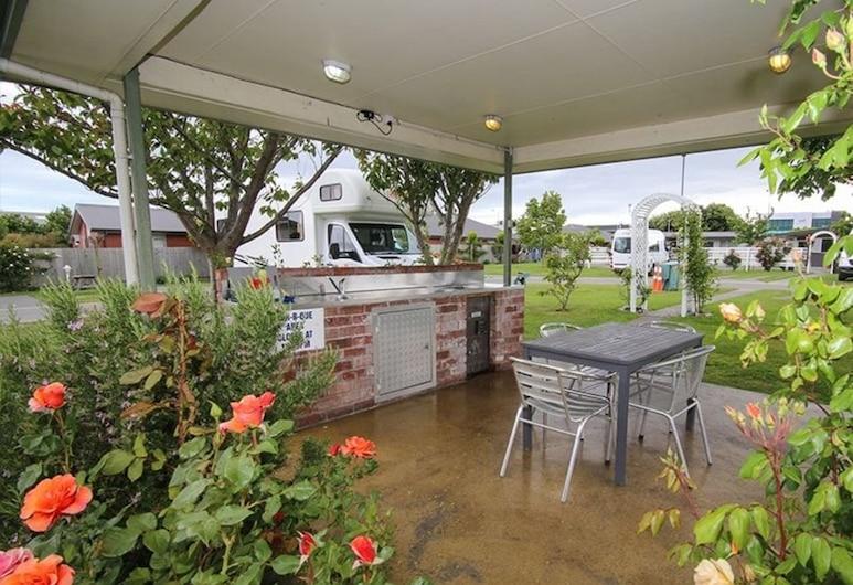 Amber Kiwi Holiday Park & Motel, Christchurch, Terrace/Patio