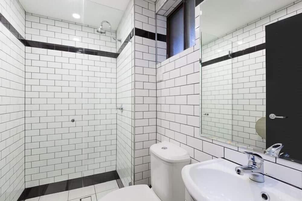 Standard Shared Dormitory, Non Smoking - Bathroom