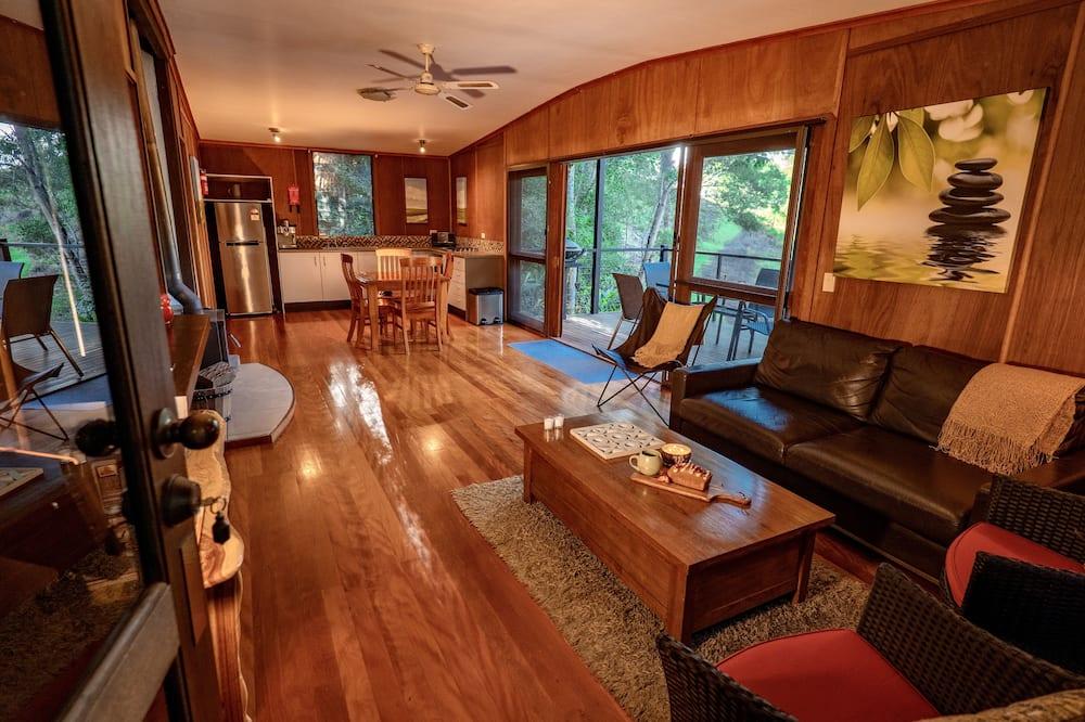 Стандартный люкс, 2 спальни, для некурящих, кухня (Bush Cottage 1bath) - Зона гостиной