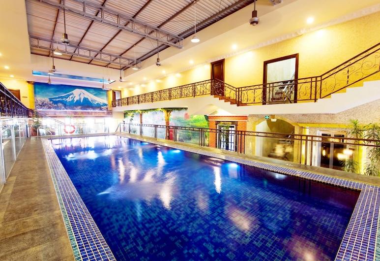 Amos Cozy Hotel & Convention Hall, Jakarta, Indoor Pool