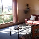 Deluxe Apartment, 2 Bedrooms, Non Smoking, Kitchen (Deluxe Spa Cottage 2) - Living Area