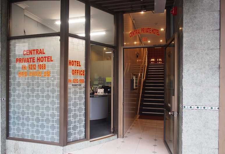 Central Private Hotel, Surry Hills, Entrada del hotel