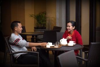 Mynd af Varna Culture Hotel Surabaya í Surabaya