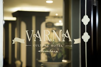 Enter your dates to get the Surabaya hotel deal