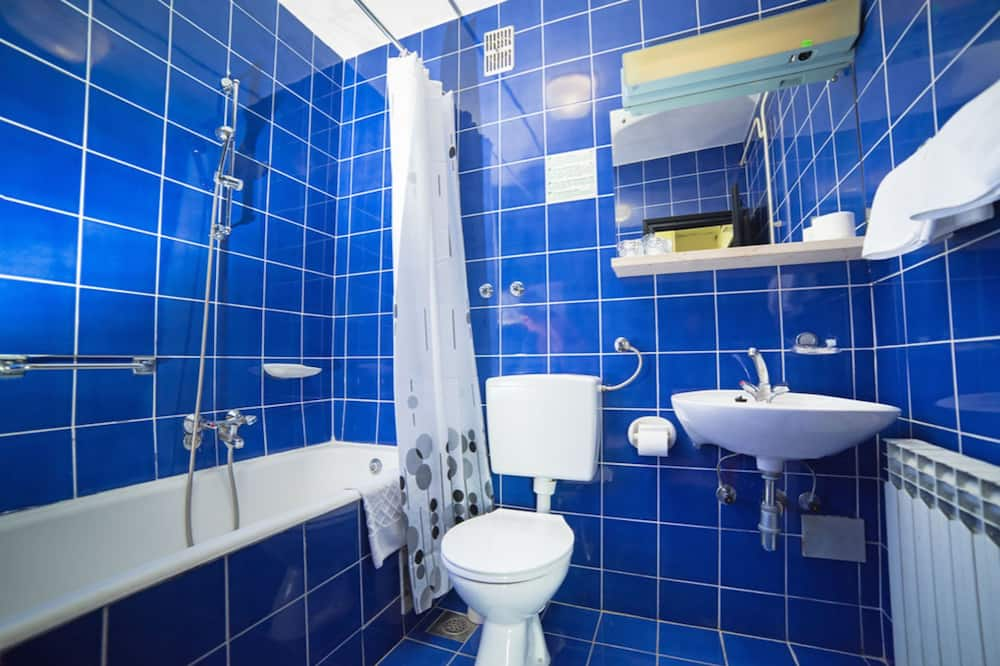 Superior Double or Twin Room, Sea View - Bathroom