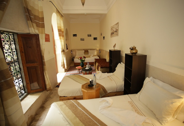 Riad White Flowers, Marrakech, Deluxe Quadruple Room, Guest Room