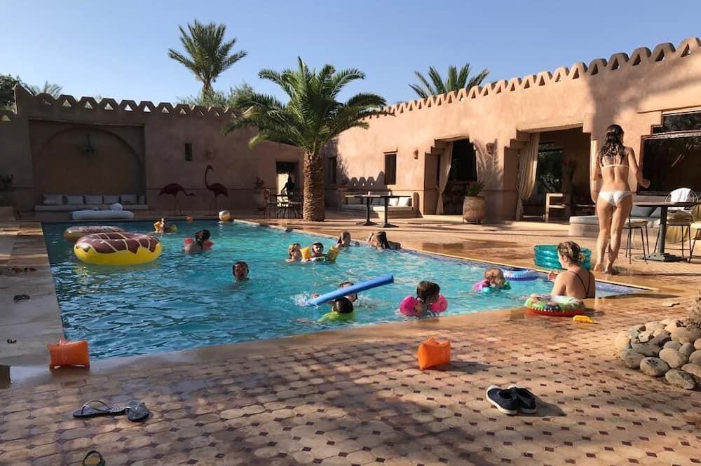 Súkromný bazén