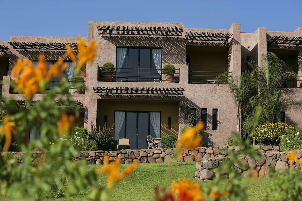 Luxusná dvojlôžková izba - Výhľad na záhradu