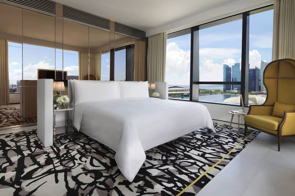 Premier Suite, 1 King Bed, Non Smoking - Guest Room