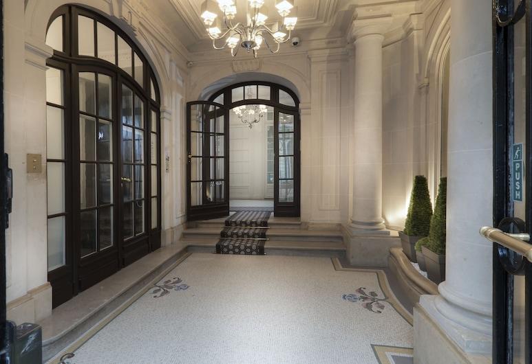 查爾斯弗羅奎茲公寓, 巴黎, 櫃台