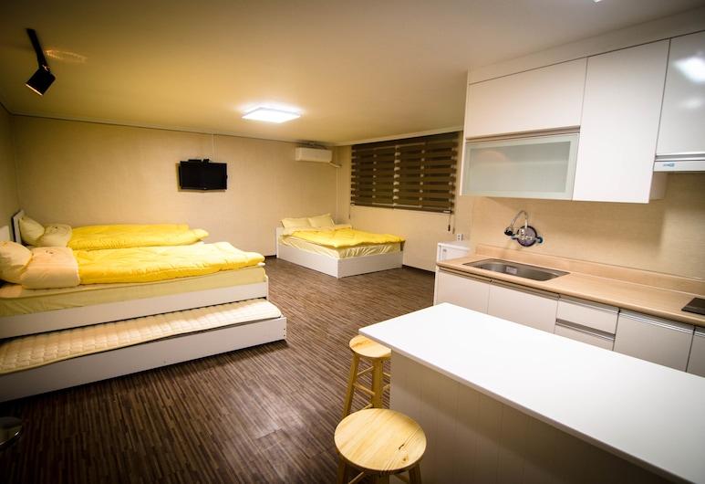 YaKorea Hostel Hongdae, Soul, Rodinná izba, kuchyňa (5 People), Hosťovská izba
