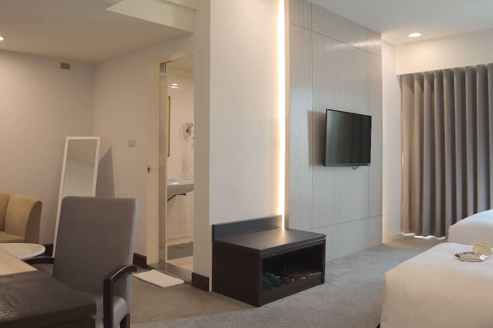 חדר אקזקיוטיב לשלושה - אזור מגורים