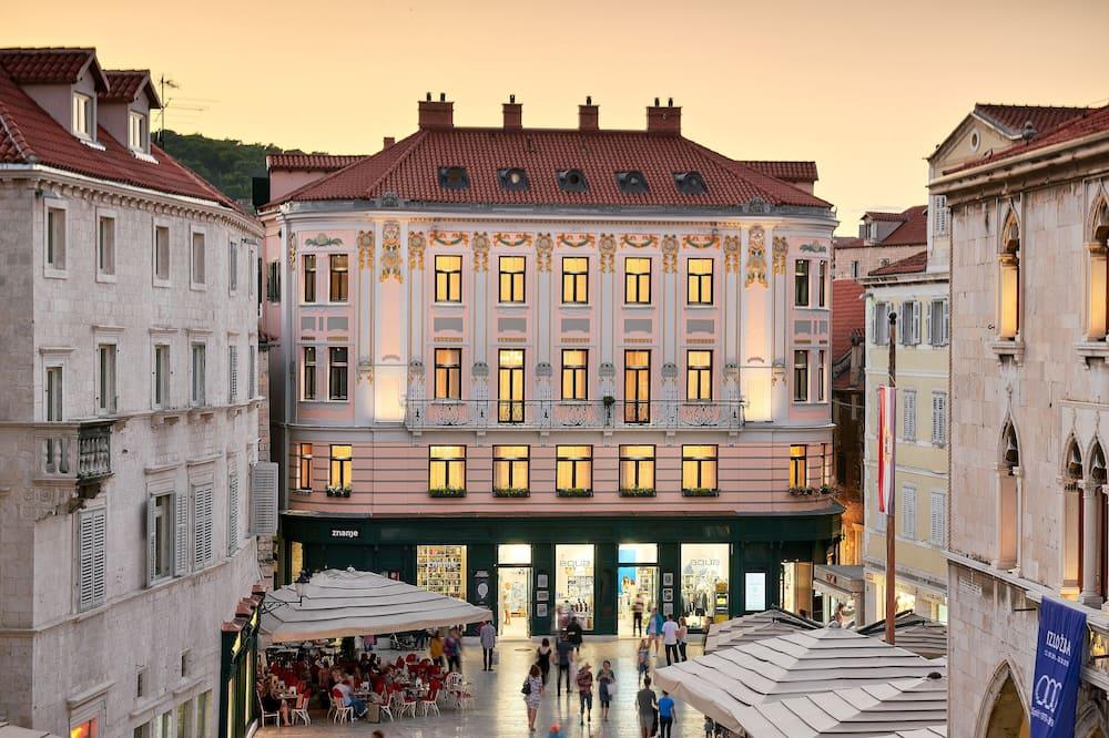Piazza Heritage Hotel