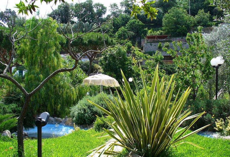 오텔 라 마르티카나, 이스키아, 숙박 시설 부지