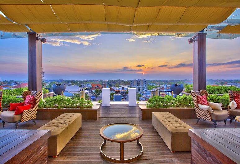 The Trans Resort Bali, Seminyak, Bar do hotel