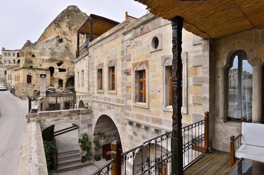 Stone King Suite - Balcón
