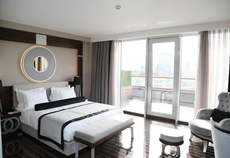 ラマダ ホテル & スイーツ バイ ウィンダム イスタンブール シシュリ, イスタンブール, スイート ダブルベッド 1 台 禁煙 テラス, 客室