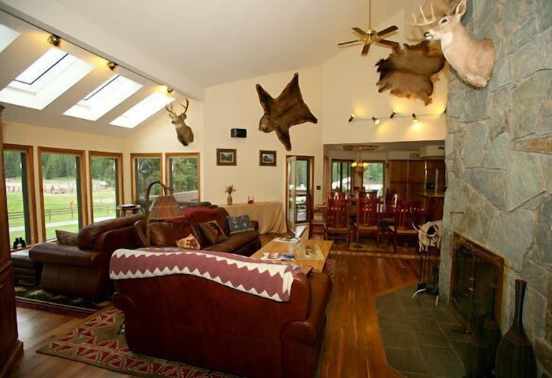 Bar W Guest Ranch, Whitefish, Living Area