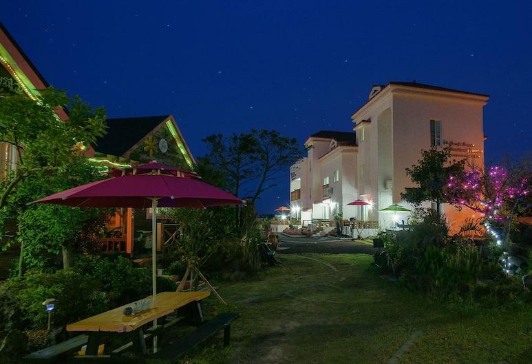 拉帕洛馬膳食公寓飯店, Jeju City, 飯店入口 - 夜景