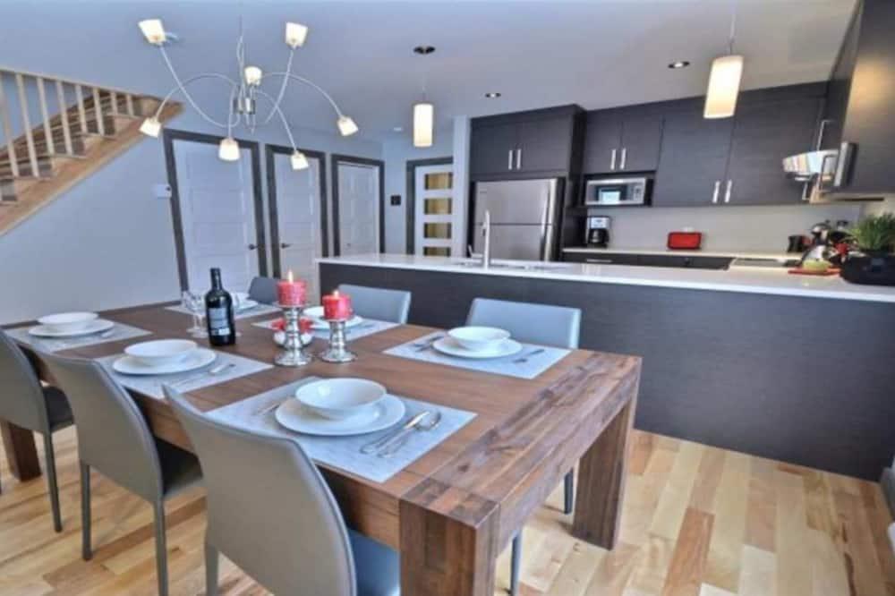 Condominio, 3 habitaciones - Servicio de comidas en la habitación