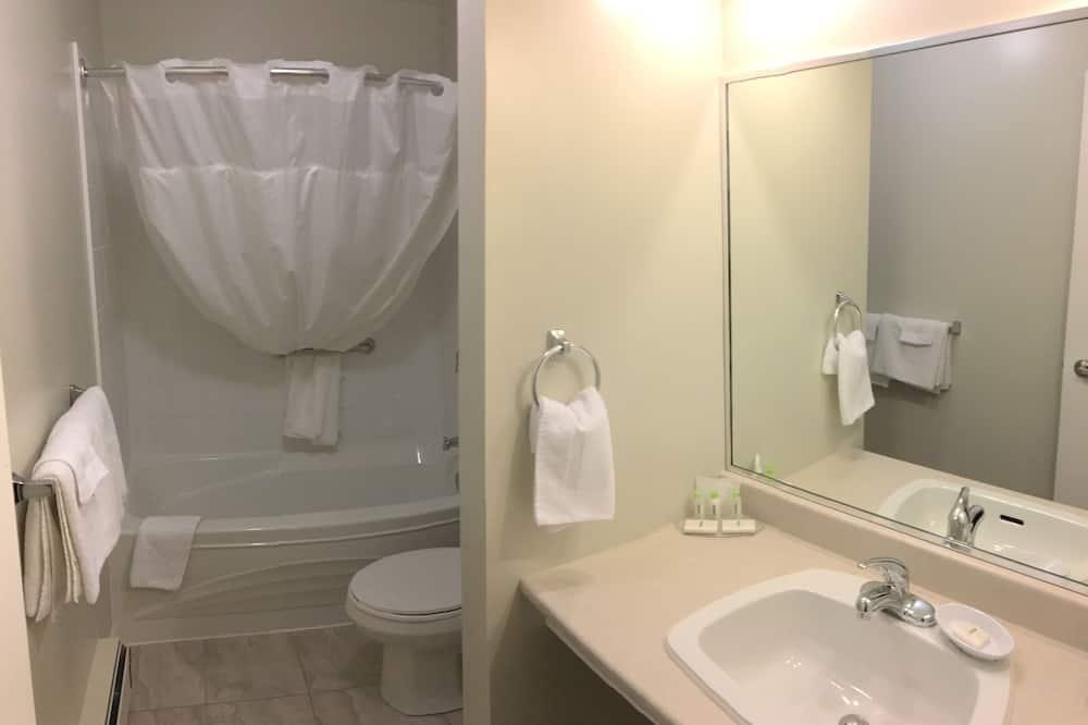 Apartment, 2 Double Beds, Kitchenette - Bathroom