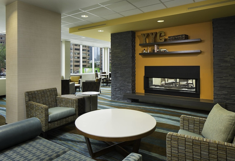 Fairfield Inn & Suites by Marriott Calgary Downtown, Calgary, Bar do Hotel
