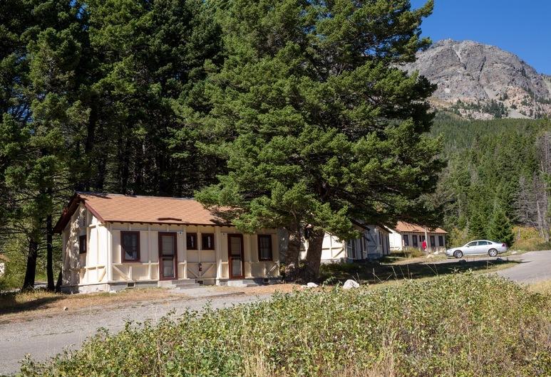 Rising Sun Motor Inn and Cabins - Inside the Park, Іст-Гласіер-Парк, Будиночок, 1 екстра-широке двоспальне ліжко, Номер