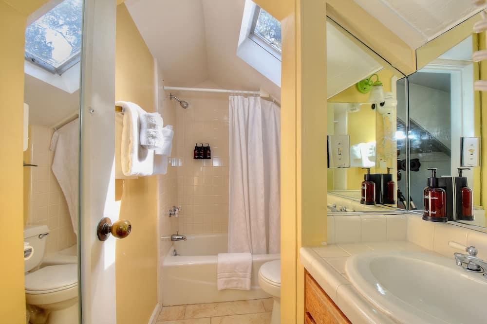 Carmel Hideaway Room - Kylpyhuone