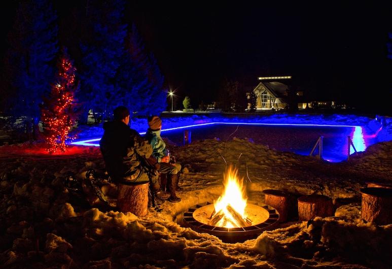 Old Faithful Snow Lodge & Cabins - Inside the Park, Yellowstone Nemzeti Park, A szálláshely külső területe