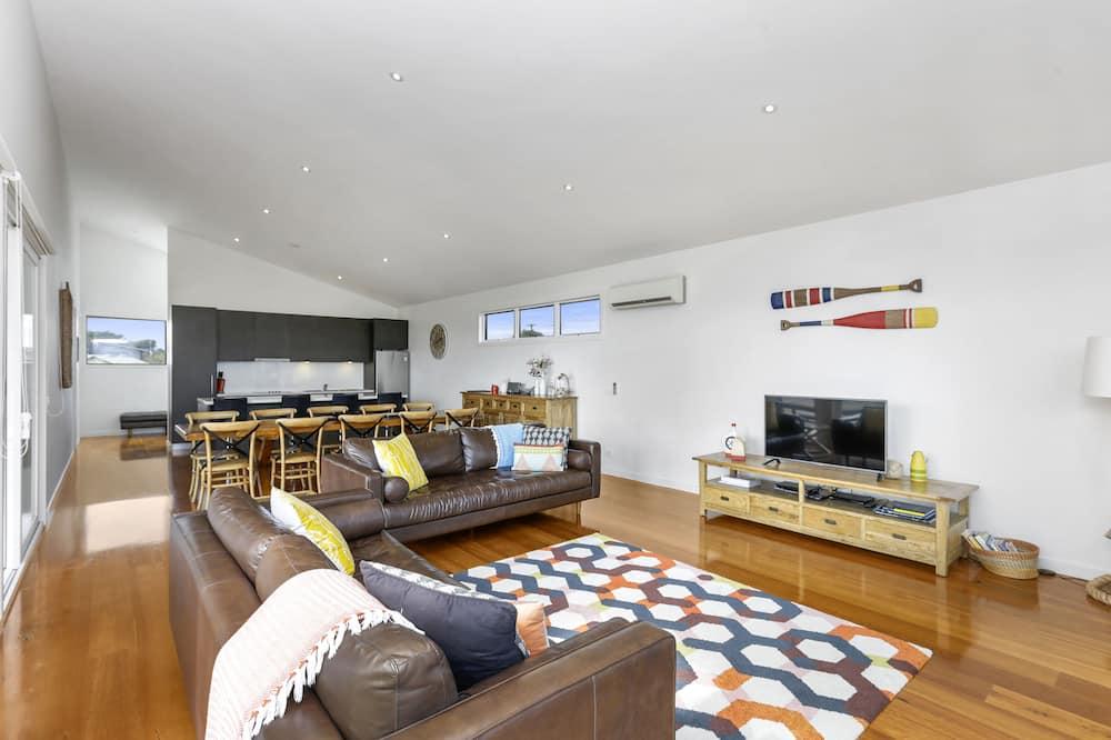 Beach House - Living Area