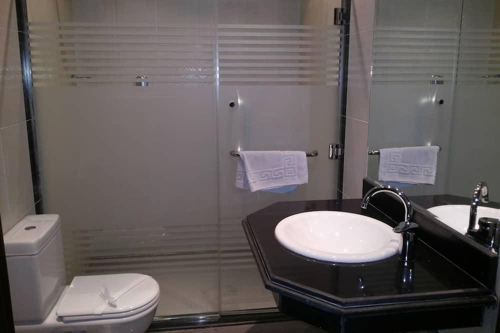 غرفة كلاسيكية مزدوجة أو بسريرين منفصلين - حمّام