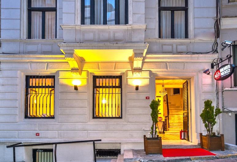 Hotel Next2, Istanbul, Facciata hotel (sera/notte)