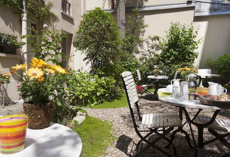 호텔 들라브, 파리, 정원