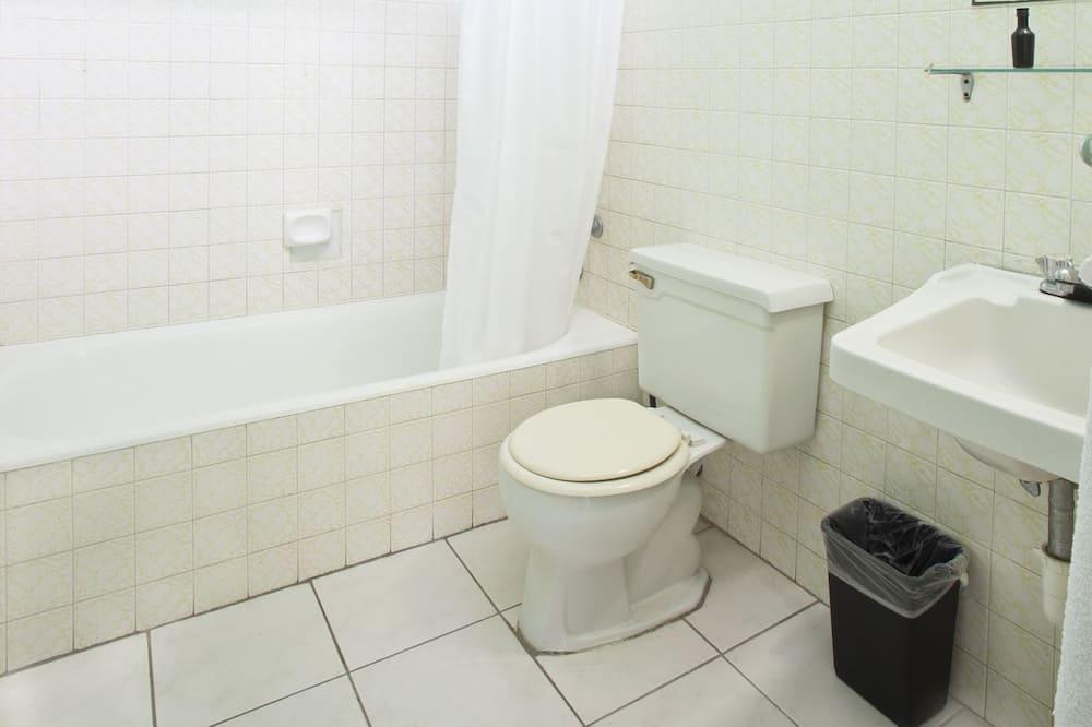 Štandardná izba, 1 extra veľké dvojlôžko (in Townhouse) - Kúpeľňa