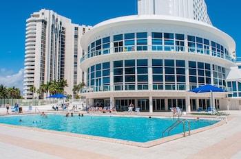 Obrázek hotelu Collins Apartments by Design Suites ve městě Miami Beach