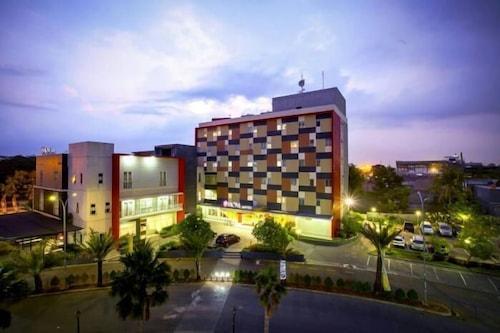 โรงแรมฮอม