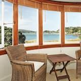 Beachfront Wellington Bed & Breakfast