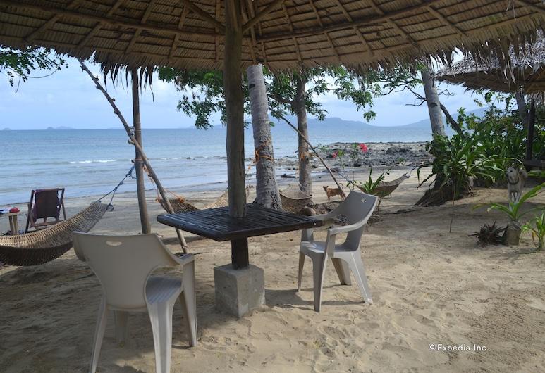 塔皮克海灘公園旅館, El Nido, 室外用餐