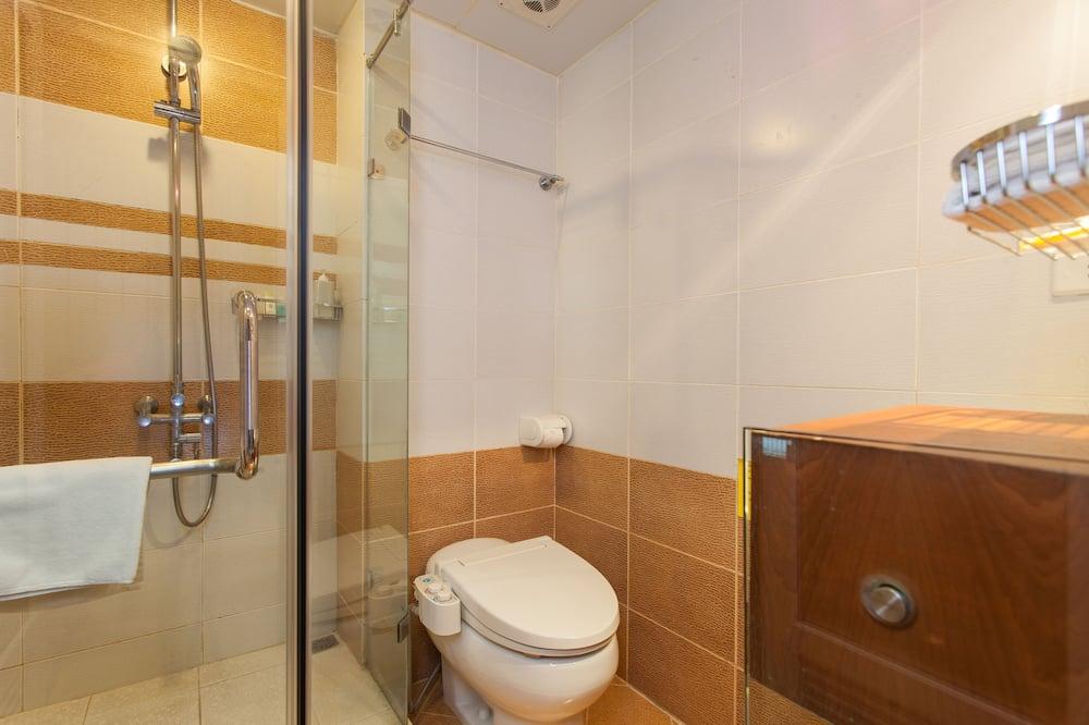 Habitación junior con 1 cama doble o 2 individuales, balcón - Baño
