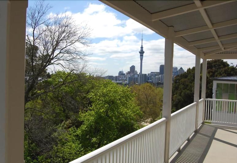 Verandahs Parkside Lodge, Auckland, Balcony