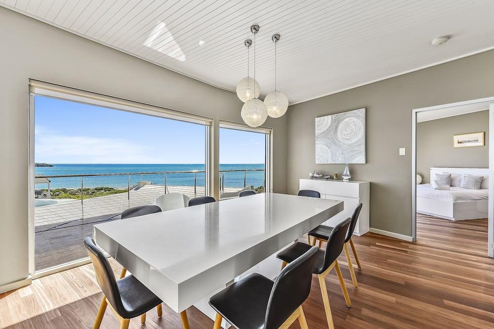 Luxury-Haus, 4Schlafzimmer, Meerblick, Strandnähe - Essbereich im Zimmer