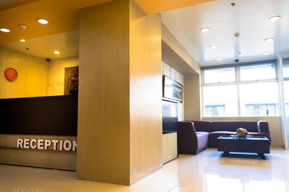 Baguio City Center Hotel Lobby