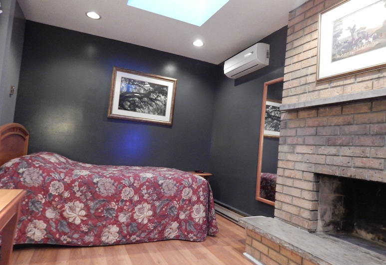 All Days Hostel, Toronto, Double Bedroom, 1 Double Bed, Shared Bathroom, Guest Room