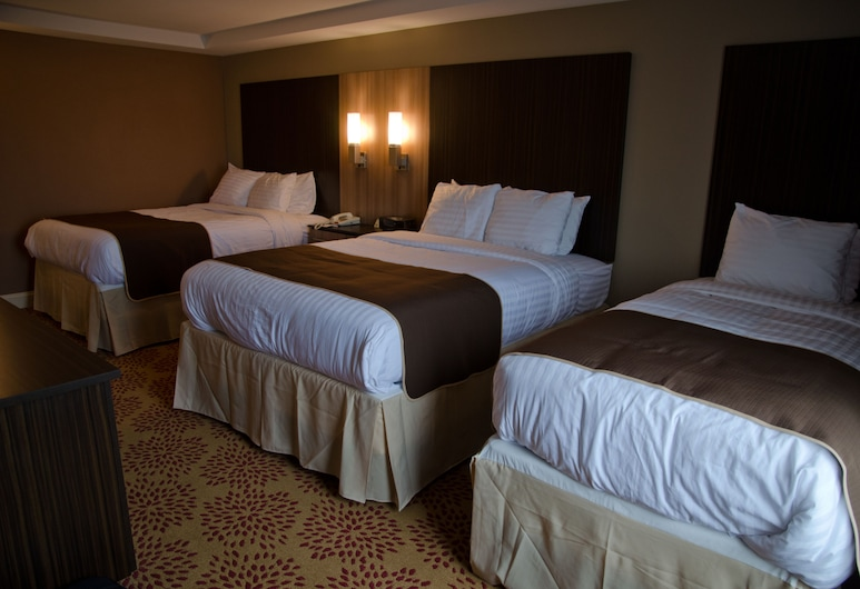 AAshram Hotel by Niagara River, Niagara Falls, Family Room with Two Queen & One Twin Beds, Guest Room