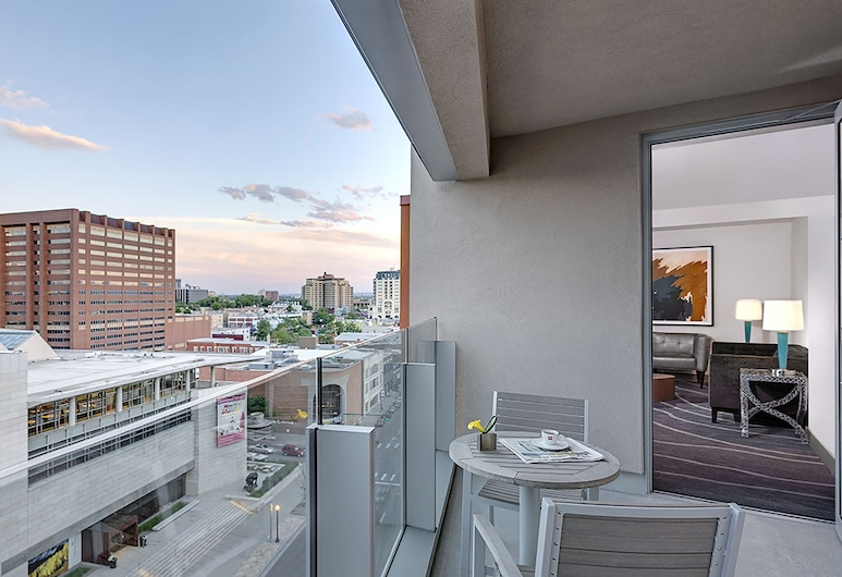 The Art Hotel Denver, Curio Collection by Hilton, Denver, Capital Accessible Suite, Balcony