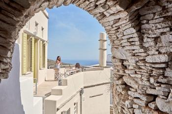 Introduce las fechas para ver los descuentos de hoteles en Tinos